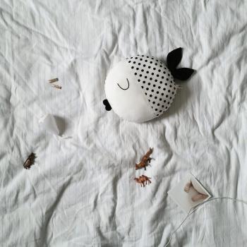 Wanda Pillow - Dots
