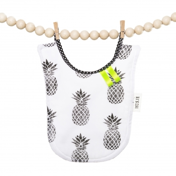 Pineapple Eating Bib