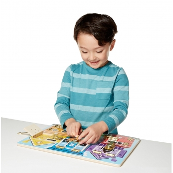 Latches Play & Learn Board